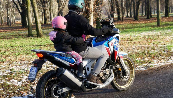 Bambini in moto e scooter, tutte le regole ed a quanti anni si può iniziare - Foto 1 di 12
