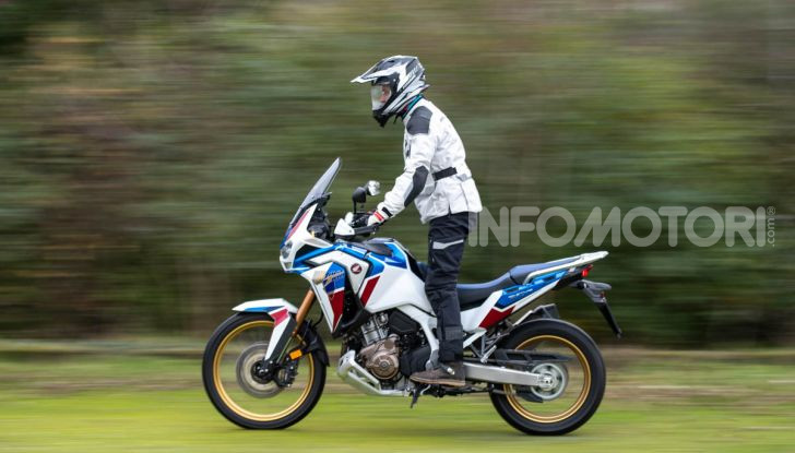 Prova Honda Africa Twin 1100 DCT Adventure Sports 2020: caratteristiche e prezzo - Foto 3 di 63