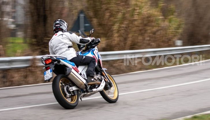 Prova Honda Africa Twin 1100 DCT Adventure Sports 2020: caratteristiche e prezzo - Foto 8 di 63