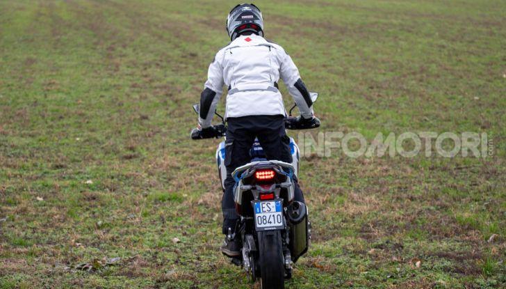 Prova Honda Africa Twin 1100 DCT Adventure Sports 2020: caratteristiche e prezzo - Foto 11 di 63
