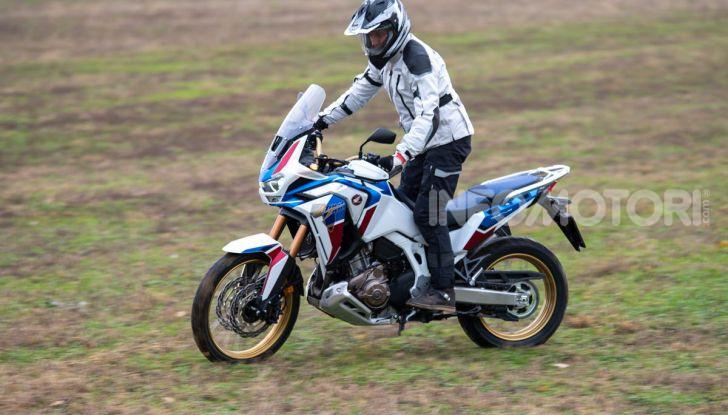 Prova Honda Africa Twin 1100 DCT Adventure Sports 2020: caratteristiche e prezzo - Foto 13 di 63