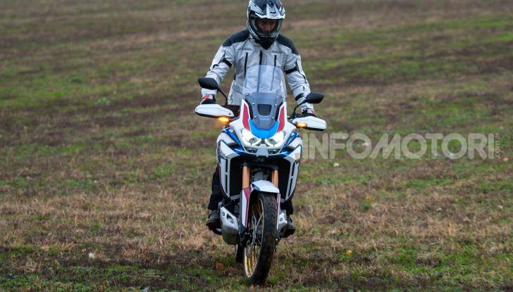 Prova Honda Africa Twin 1100 DCT Adventure Sports 2020: caratteristiche e prezzo - Foto 15 di 63