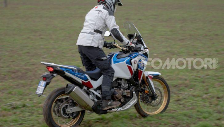 Prova Honda Africa Twin 1100 DCT Adventure Sports 2020: caratteristiche e prezzo - Foto 16 di 63