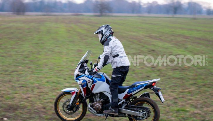 Prova Honda Africa Twin 1100 DCT Adventure Sports 2020: caratteristiche e prezzo - Foto 18 di 63