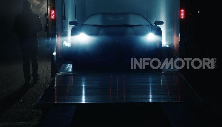 Lamborghini Aventador, il regalo di natale per padre e figlio appassionati - Foto 11 di 20