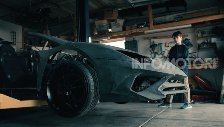 Lamborghini Aventador, il regalo di natale per padre e figlio appassionati - Foto 18 di 20