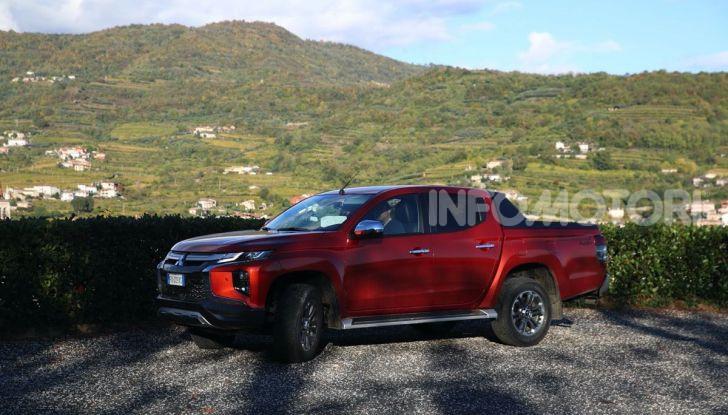 [VIDEO] Prova nuova Mitsubishi L200: il pickup veste da SUV per il 2020 - Foto 19 di 41