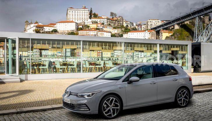 Nuova Volkswagen Golf 8: prova su strada, motori e prezzi - Foto 14 di 22