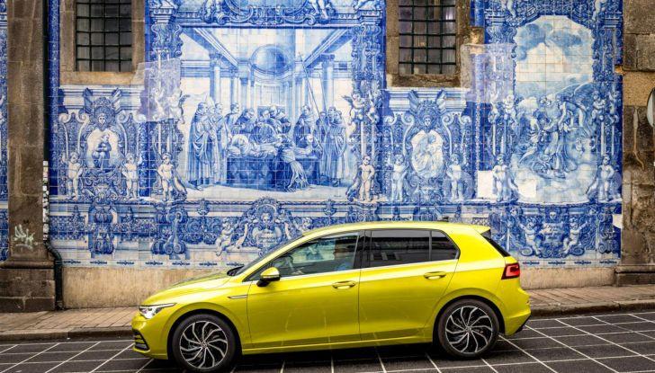 Nuova Volkswagen Golf 8: prova su strada, motori e prezzi - Foto 17 di 22