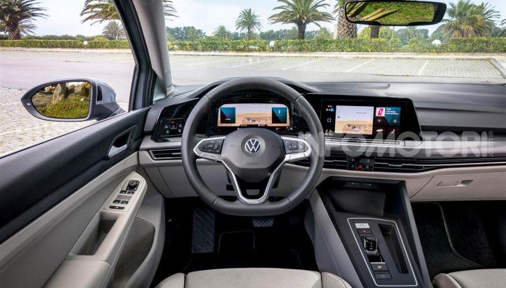 Nuova Volkswagen Golf 8: prova su strada, motori e prezzi - Foto 20 di 22