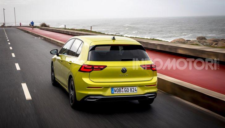 Nuova Volkswagen Golf 8: prova su strada, motori e prezzi - Foto 6 di 22