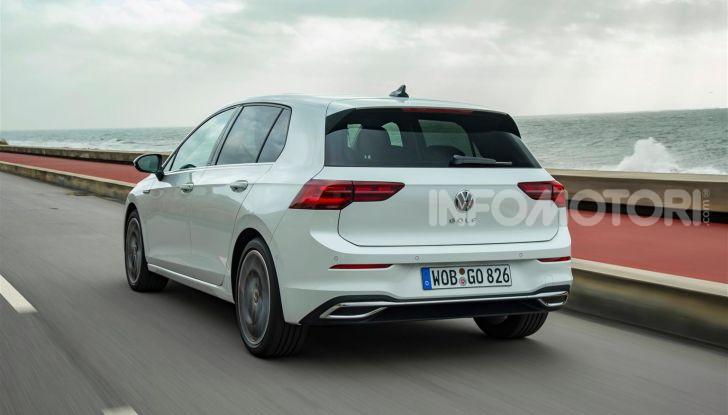 Nuova Volkswagen Golf 8: prova su strada, motori e prezzi - Foto 7 di 22