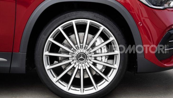 Nuovo Mercedes-AMG GLA 35 4MATIC: prestazioni senza rinunciare al comfort - Foto 7 di 11