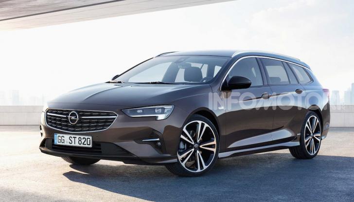 Opel Insignia: più tecnologica dopo il restyling - Foto 4 di 7