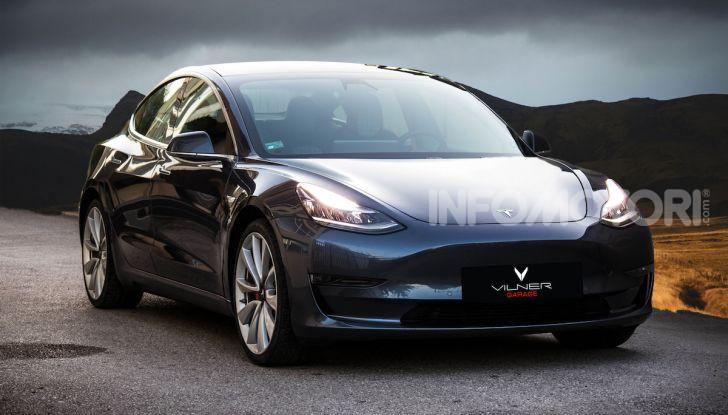 Una Tesla Model 3 a Capo Nord per testare la batteria - Foto 3 di 9