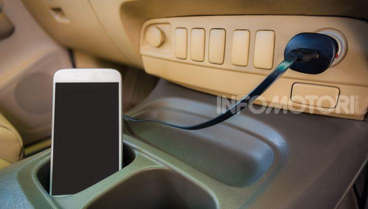caricabatteria auto