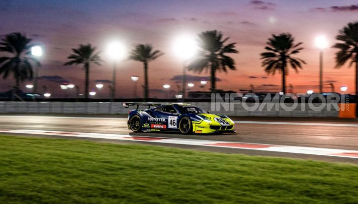 Valentino Rossi: podio alla 12 ore del Golfo con la Ferrari 488 GT3 - Foto 4 di 7