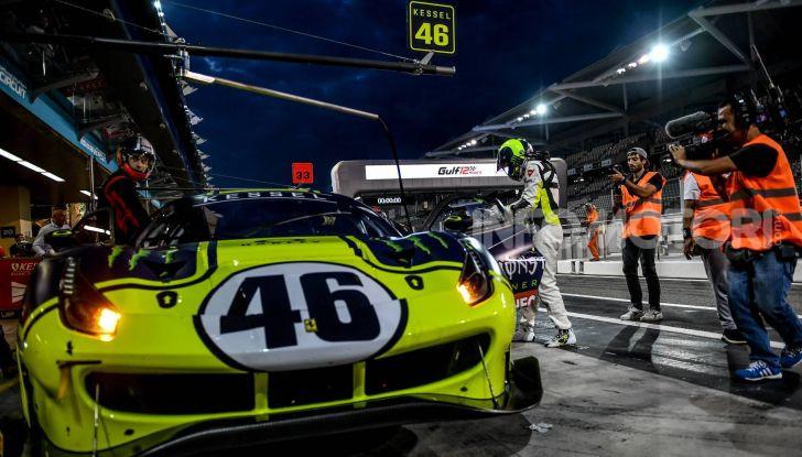 Valentino Rossi: podio alla 12 ore del Golfo con la Ferrari 488 GT3 - Foto 5 di 7