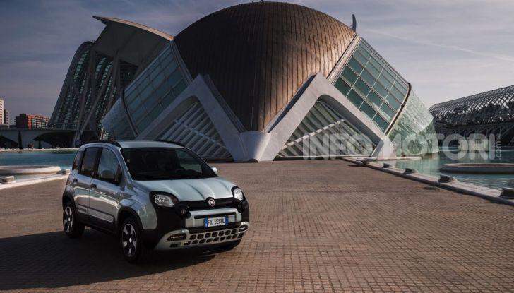 Fiat Panda Easy Hybrid: linee morbide, tanto spazio e poche emissioni - Foto 5 di 16