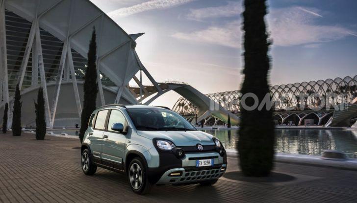 Fiat Panda Easy Hybrid: linee morbide, tanto spazio e poche emissioni - Foto 4 di 16