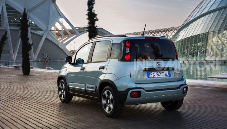 Fiat Panda Easy Hybrid: linee morbide, tanto spazio e poche emissioni - Foto 2 di 16