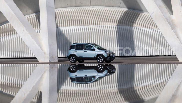 Fiat Panda Easy Hybrid: linee morbide, tanto spazio e poche emissioni - Foto 3 di 16