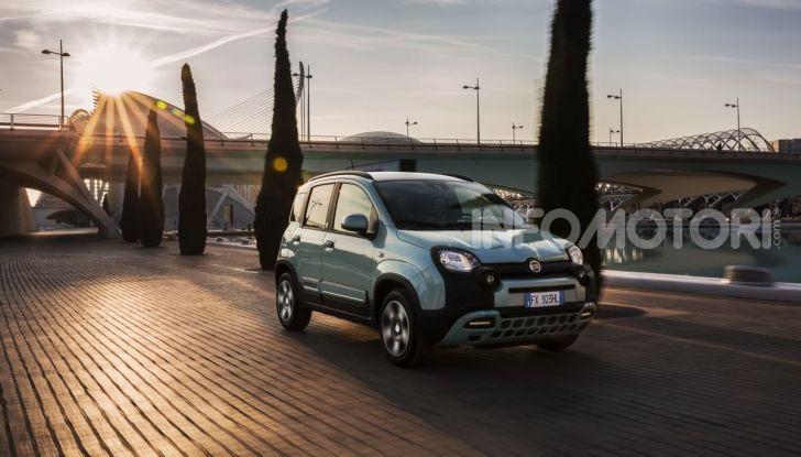 Fiat Panda Easy Hybrid: linee morbide, tanto spazio e poche emissioni - Foto 1 di 16