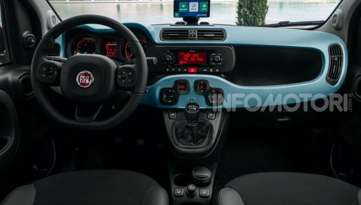 Fiat Panda Easy Hybrid: linee morbide, tanto spazio e poche emissioni - Foto 10 di 16