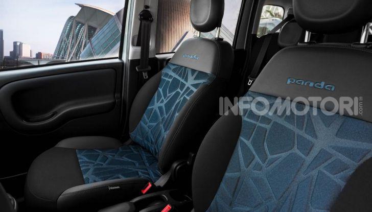 Fiat Panda Easy Hybrid: linee morbide, tanto spazio e poche emissioni - Foto 9 di 16