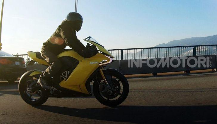 Damon Hypersport: la moto elettrica del futuro conquista il Ces 2020 - Foto 3 di 6