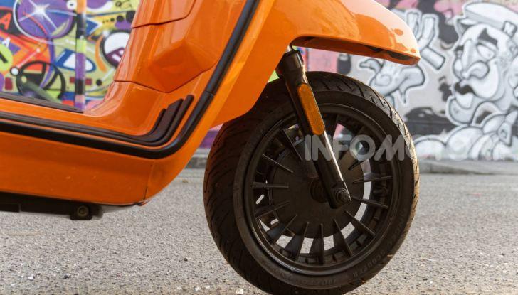 Prova Lambretta V 200 Special, il Lambro torna a scorrere su due ruote - Foto 14 di 25