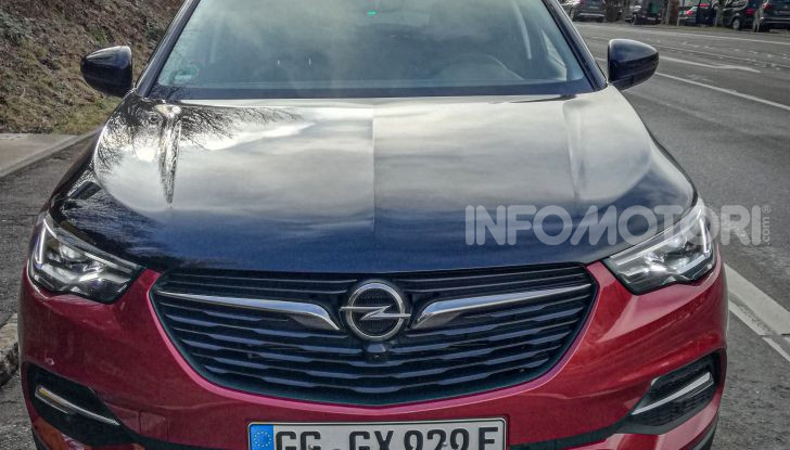 Prova Opel Grandland X Hybrid4, il SUV ecologico per andare ovunque - Foto 10 di 15