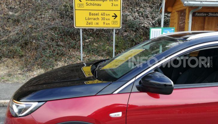 Prova Opel Grandland X Hybrid4, il SUV ecologico per andare ovunque - Foto 11 di 15