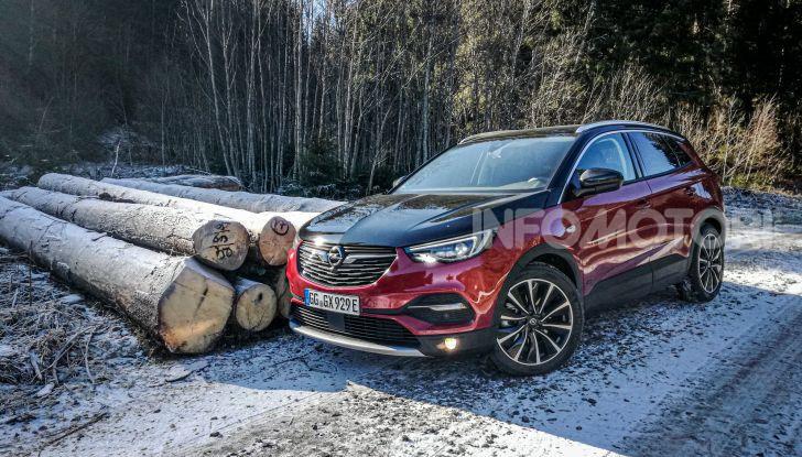 Prova Opel Grandland X Hybrid4, il SUV ecologico per andare ovunque - Foto 12 di 15
