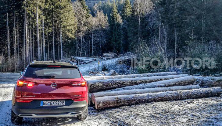 Prova Opel Grandland X Hybrid4, il SUV ecologico per andare ovunque - Foto 13 di 15
