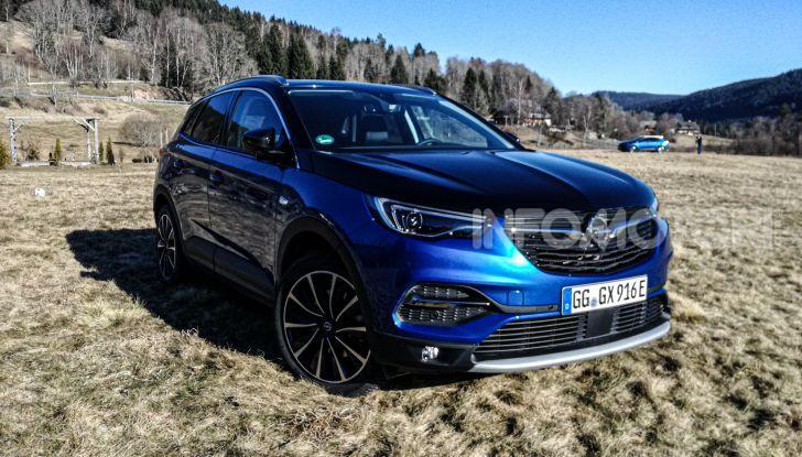 Prova Opel Grandland X Hybrid4, il SUV ecologico per andare ovunque - Foto 6 di 15