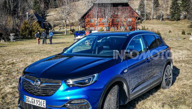 Prova Opel Grandland X Hybrid4, il SUV ecologico per andare ovunque - Foto 15 di 15