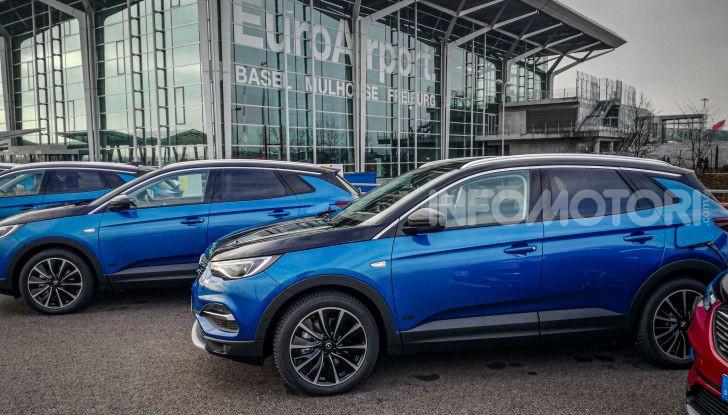 Prova Opel Grandland X Hybrid4, il SUV ecologico per andare ovunque - Foto 2 di 15