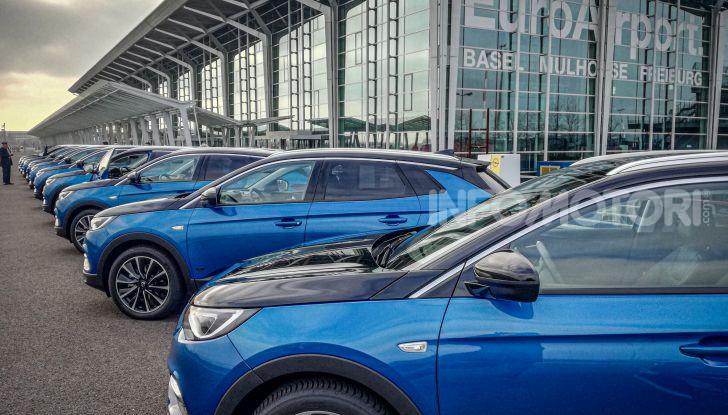 Prova Opel Grandland X Hybrid4, il SUV ecologico per andare ovunque - Foto 5 di 15