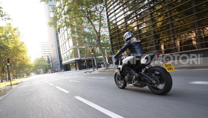 Il 2020 di Triumph si apre col lancio della nuova Street Triple S - Foto 20 di 35