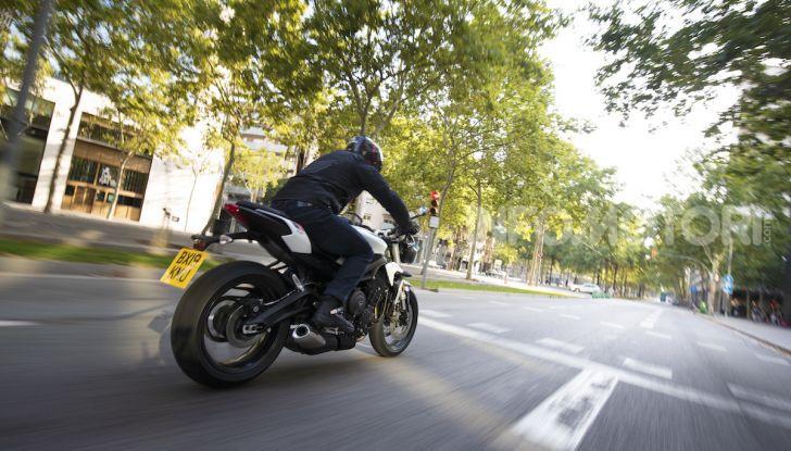 Il 2020 di Triumph si apre col lancio della nuova Street Triple S - Foto 21 di 35