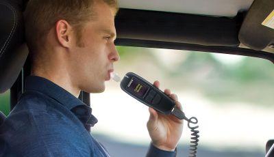 Alcolock: l'etilometro a bordo dell'auto che blocca l'accensione