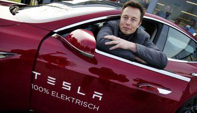"""Elon Musk: """"Presto le Tesla comunicheranno con i pedoni"""""""