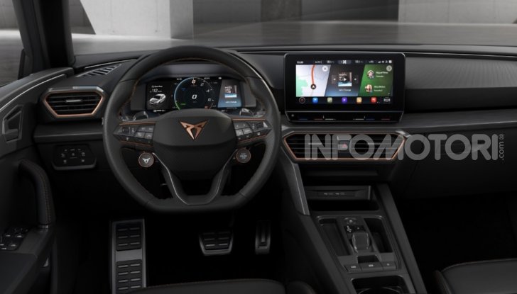 Cupra Leon 2020: look e motori da sportiva anche ibrida plug-in - Foto 3 di 11