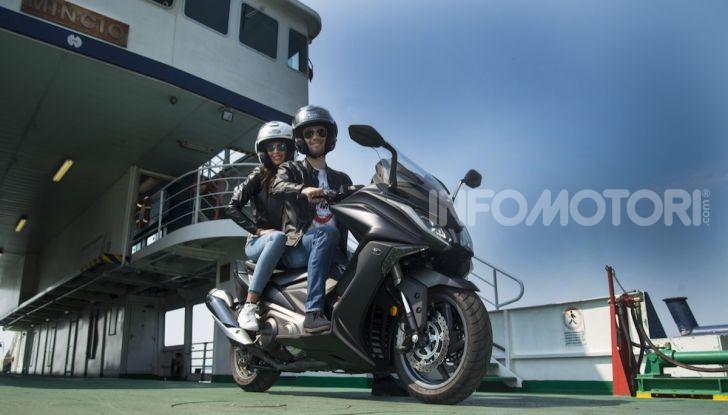 Kymco AK 550 ABS MY 2020: il maxi scooter ancora più potente e tecnologico - Foto 6 di 11