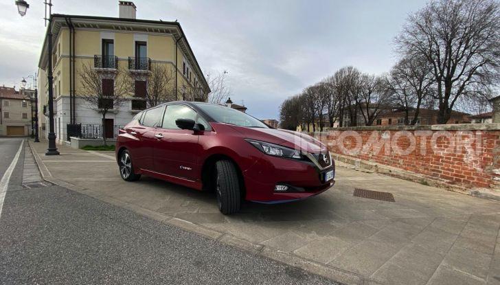 Nissan Leaf e+ 62 kWh prova su strada: prestazioni, autonomia e prezzi - Foto 15 di 37