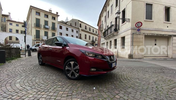 Nissan Leaf e+ 62 kWh prova su strada: prestazioni, autonomia e prezzi - Foto 17 di 37