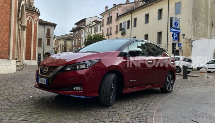 Nissan Leaf e+ 62 kWh prova su strada: prestazioni, autonomia e prezzi - Foto 11 di 37