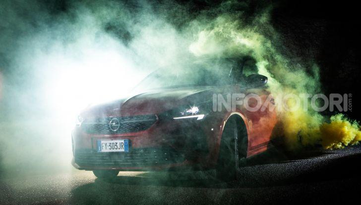 Nuova Opel Corsa, provati su strada i nuovi fari IntelliLux LED matrix - Foto 6 di 9