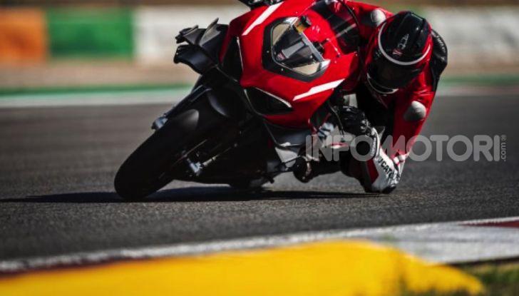 Ducati Superleggera V4: numeri da record per una moto da sogno - Foto 1 di 13